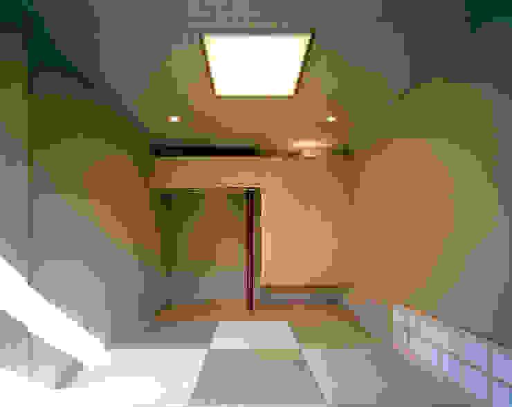 光を抱く家 オリジナルスタイルの 温室 の 西島正樹/プライム一級建築士事務所 オリジナル