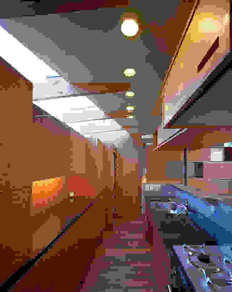 光を抱く家 オリジナルデザインの キッチン の 西島正樹/プライム一級建築士事務所 オリジナル