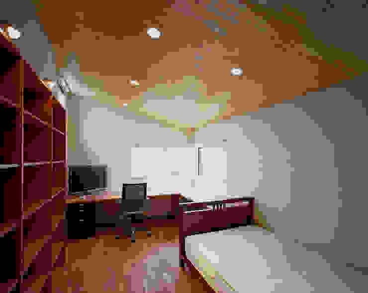 光を抱く家 オリジナルスタイルの 寝室 の 西島正樹/プライム一級建築士事務所 オリジナル
