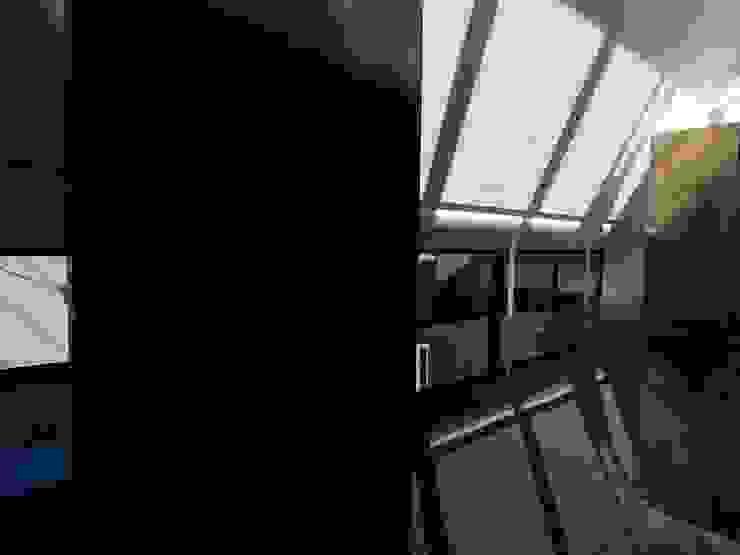 ダイニング モダンデザインの ダイニング の 濱嵜良実+株式会社 浜﨑工務店一級建築士事務所 モダン