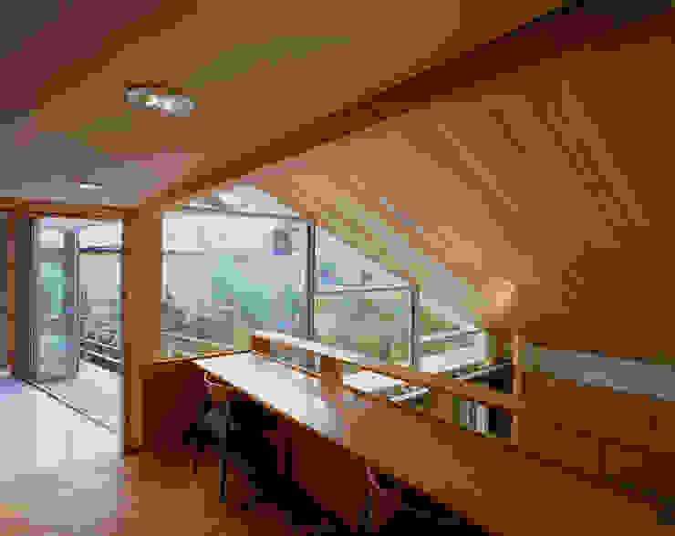 光を抱く家 オリジナルデザインの 書斎 の 西島正樹/プライム一級建築士事務所 オリジナル