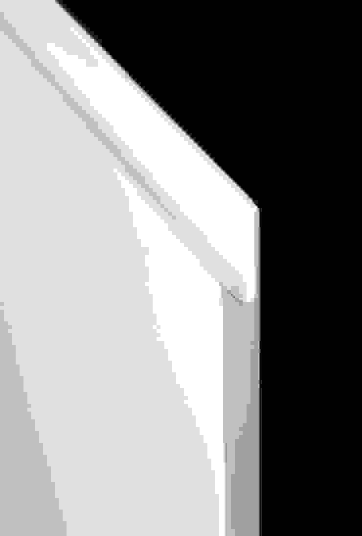 Convivium Kitchen: minimalist  by Livingfurnish Ltd, Minimalist