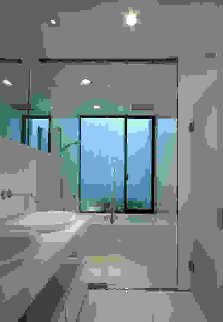 House in Ako モダンスタイルの お風呂 の 設計組織DNA モダン