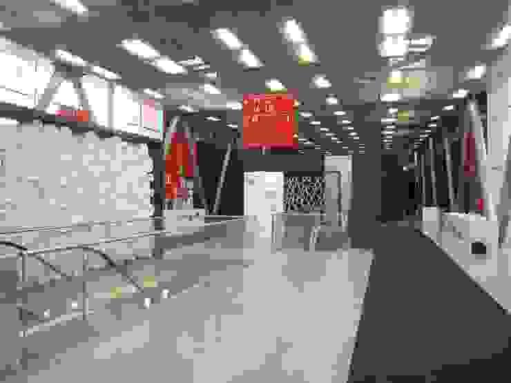 Galleria dell'Architettura-Cersaie 2014 Allestimenti fieristici in stile eclettico di Foschi & Nolletti Architetti Eclettico