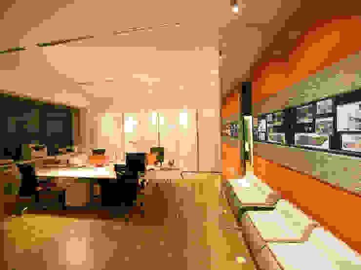 Studio Foschi & Nolletti - Ingresso Studio moderno di Foschi & Nolletti Architetti Moderno
