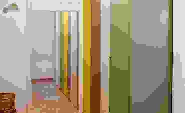 FattoreQ fabbrica Pasillos, vestíbulos y escaleras de estilo ecléctico