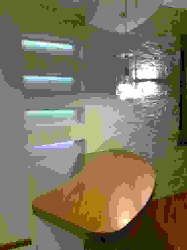 Phòng ăn phong cách hiện đại bởi Architetto del Piano Hiện đại