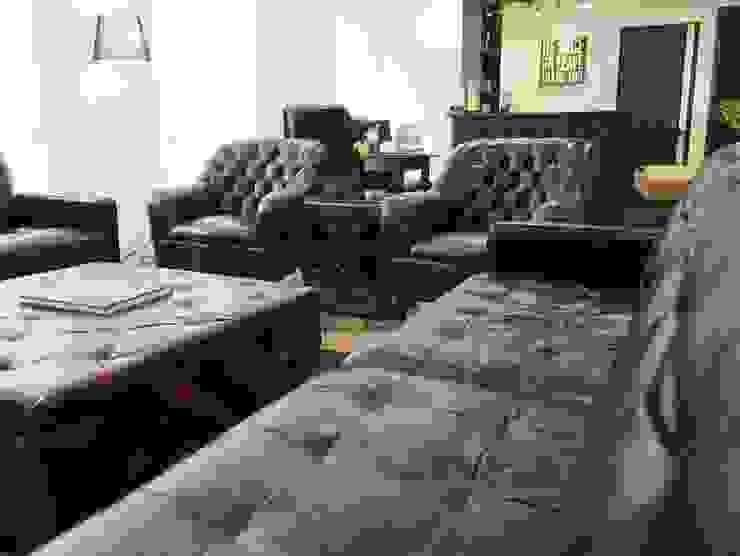 Chesterfield Furniture: classic  by Locus Habitat,Classic