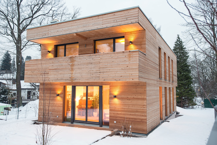 Modern houses by Jenohr + Mezger Modern