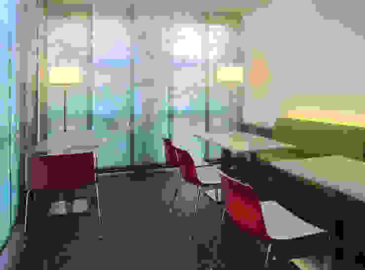 Sozialraum Moderne Bürogebäude von hansen innenarchitektur materialberatung Modern