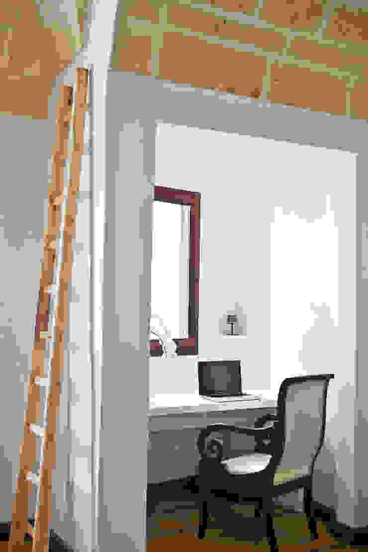 Casa Lecce Studio moderno di Tiid Studio Moderno