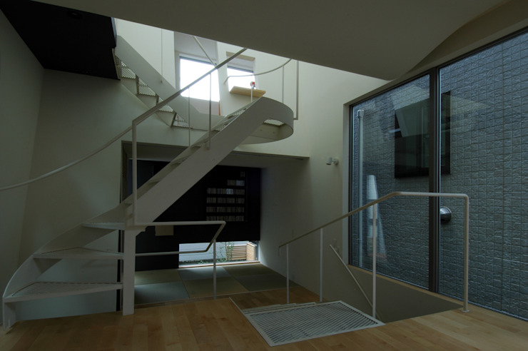 M+2 Architects & Associates Modern Corridor, Hallway and Staircase