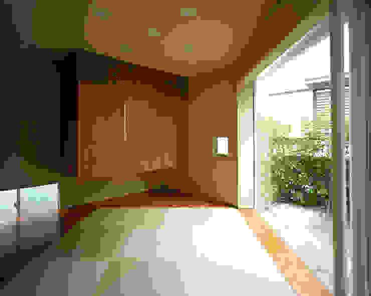 トライアングル・ハウス オリジナルデザインの 多目的室 の 西島正樹/プライム一級建築士事務所 オリジナル