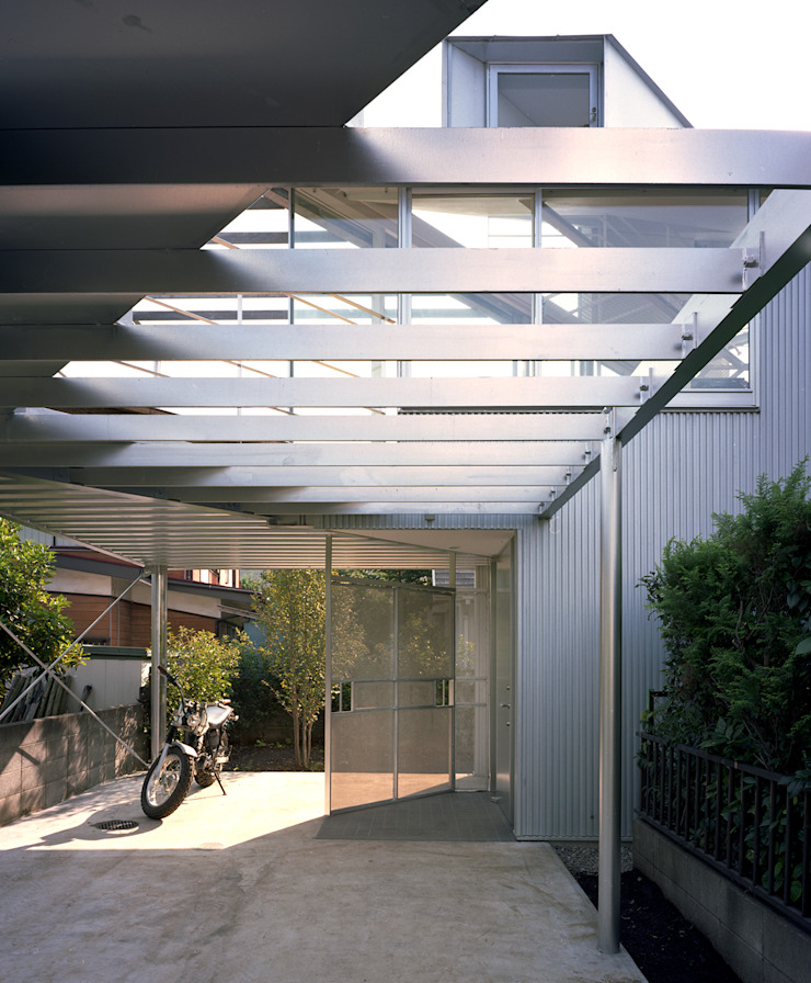 トライアングル・ハウス オリジナルデザインの ガレージ・物置 の 西島正樹/プライム一級建築士事務所 オリジナル