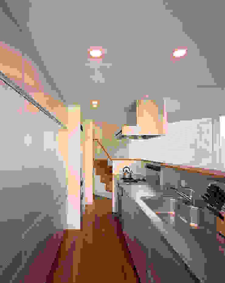 トライアングル・ハウス オリジナルデザインの キッチン の 西島正樹/プライム一級建築士事務所 オリジナル