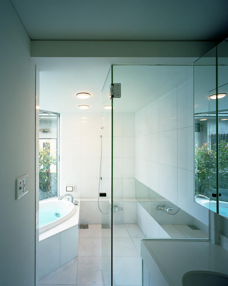 トライアングル・ハウス オリジナルスタイルの お風呂 の 西島正樹/プライム一級建築士事務所 オリジナル