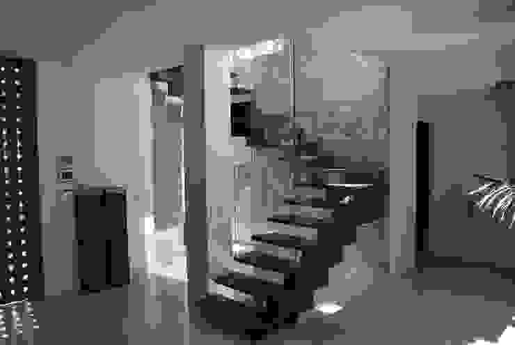 Escalera Casas modernas de saz arquitectos Moderno