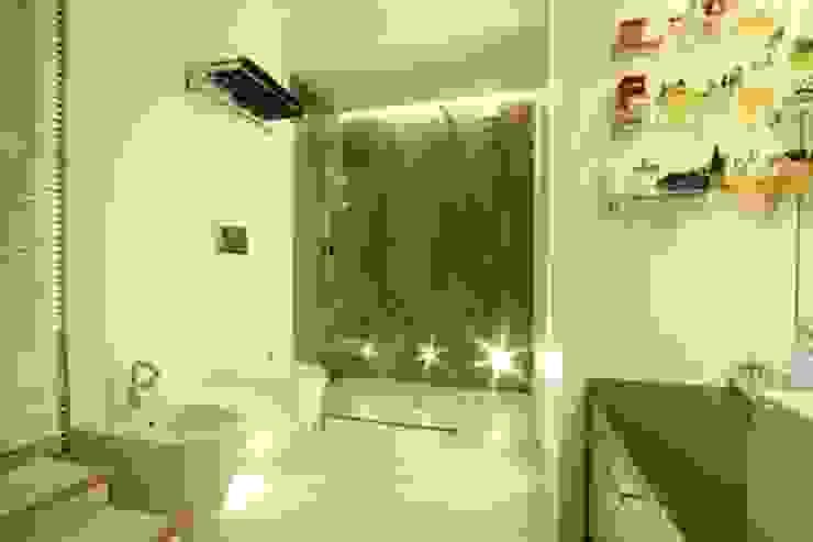 Phòng tắm phong cách hiện đại bởi alessandro.spagliardi Hiện đại