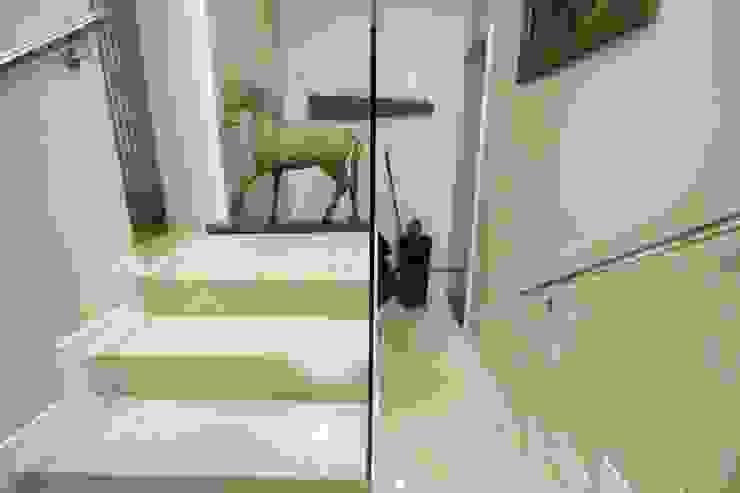 Phòng học/văn phòng phong cách hiện đại bởi alessandro.spagliardi Hiện đại