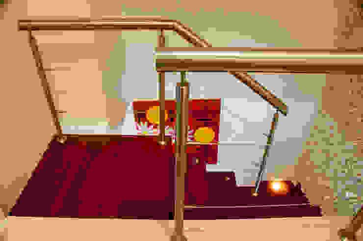 Pasillos, vestíbulos y escaleras de estilo ecléctico de ArchDesign STUDIO Ecléctico