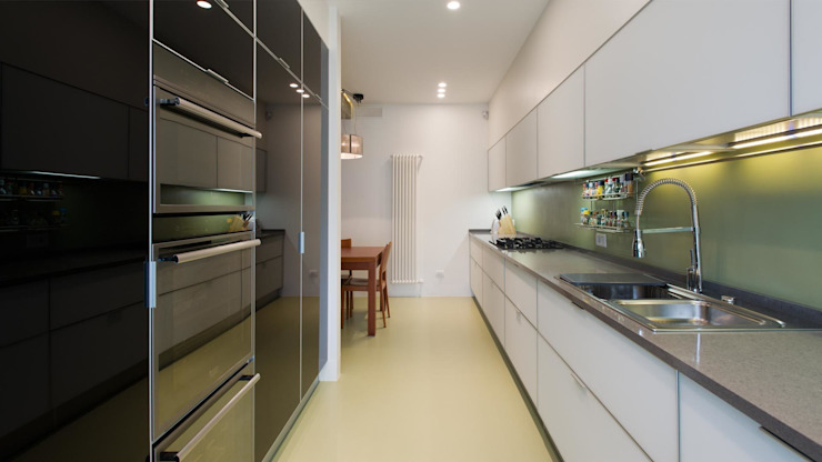 Appartamento alla Caffarella – Roma Cucina moderna di Archifacturing Moderno