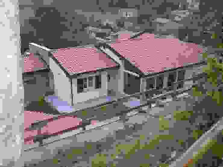 l'articolazione del fabbricato Pareti & Pavimenti in stile classico di STUDIO DI ARCHITETTURA CLEMENTI Classico