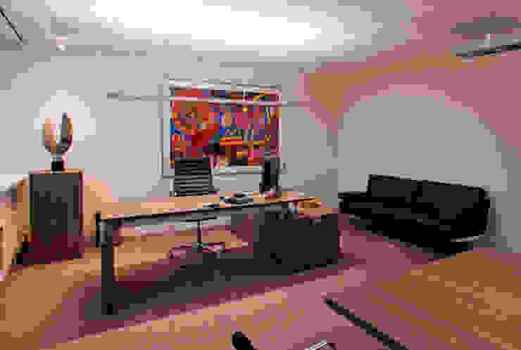 Directie kantoor Moderne kantoorgebouwen van Lightarc lichtarchitektuur Modern