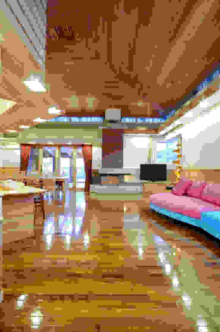 地平線の家: 片倉隆幸建築研究室が手掛けた現代のです。,モダン