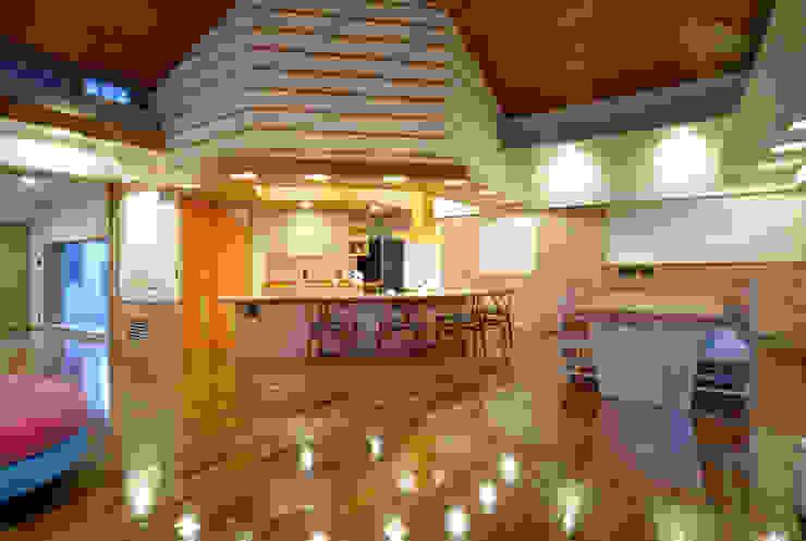 地平線の家 モダンな キッチン の 片倉隆幸建築研究室 モダン