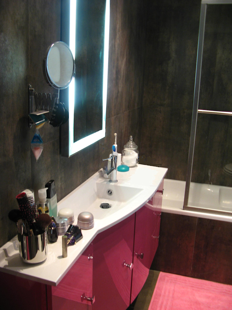Modern style bathrooms by espaces & déco Modern