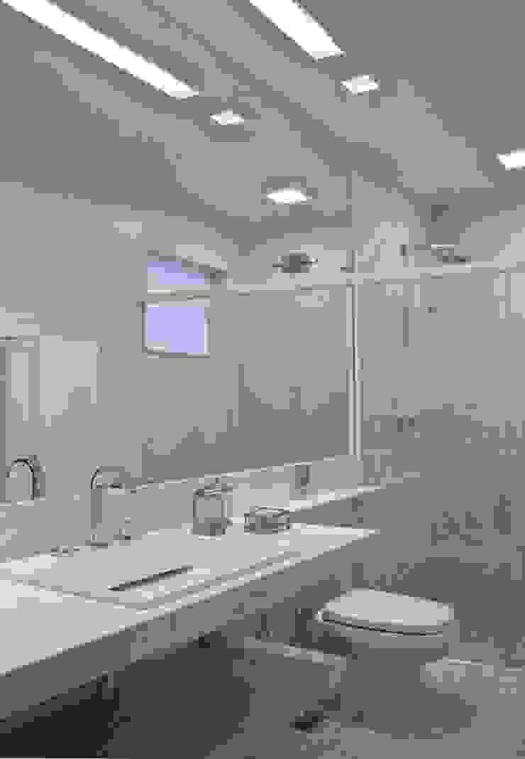 Banho Banheiros mediterrâneos por Lais Albergaria Designer Associados Mediterrâneo