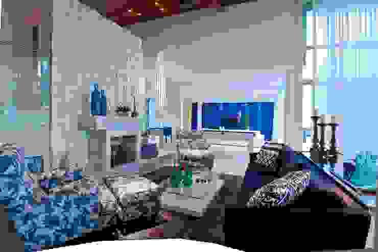 Salas / recibidores de estilo  por Lais Albergaria Designer Associados