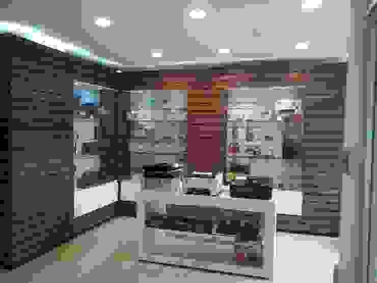 Local CIDIA Oficinas y comercios de estilo moderno de Dali Arquitectura Moderno