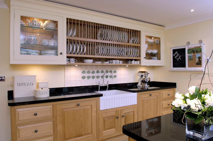 Property Renovation:  Kitchen by Hartley Quinn WIlson Limited,