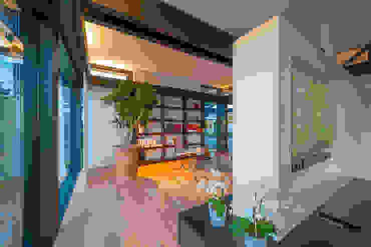 Salon moderne par HUF HAUS GmbH u. Co. KG Moderne