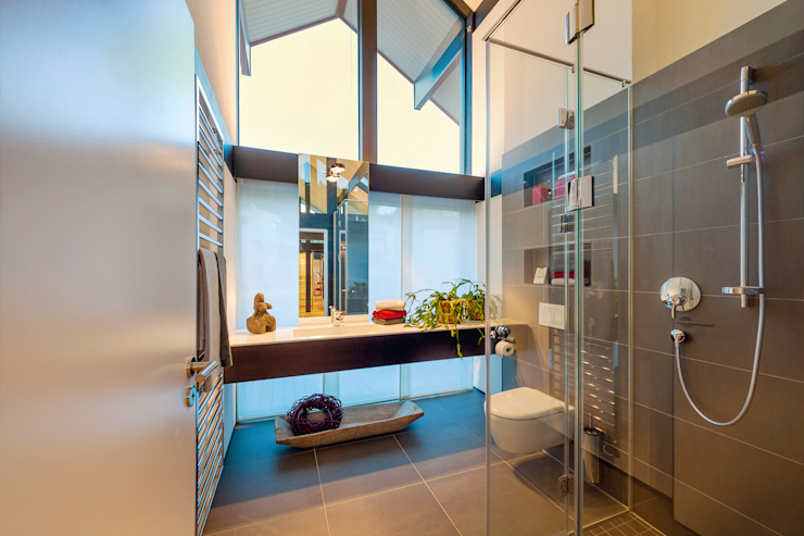 Moderne badkamers van HUF HAUS GmbH u. Co. KG Modern