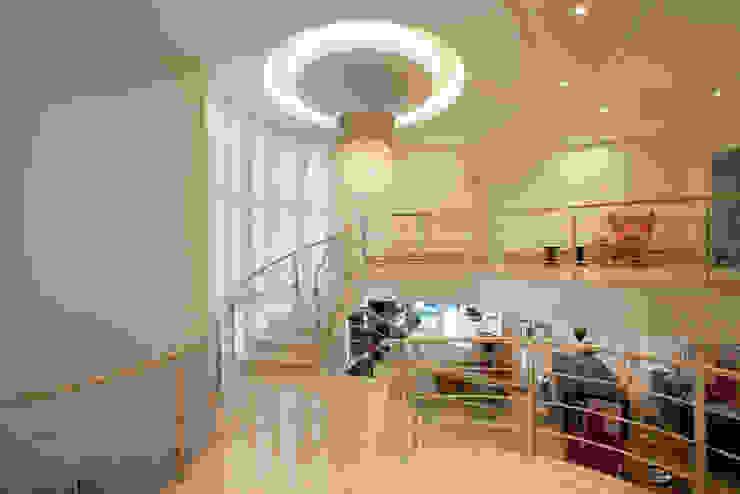 Casa Mercury Corredores, halls e escadas modernos por Arquiteto Aquiles Nícolas Kílaris Moderno