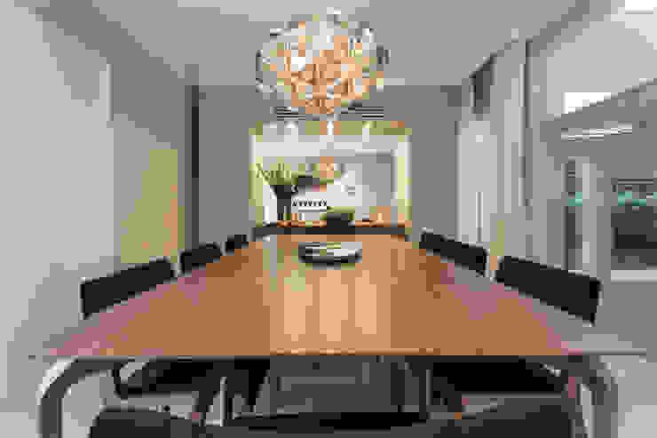 Mesa Jantar por Vaiano e Rossetto Arquitetura e Interiores Moderno