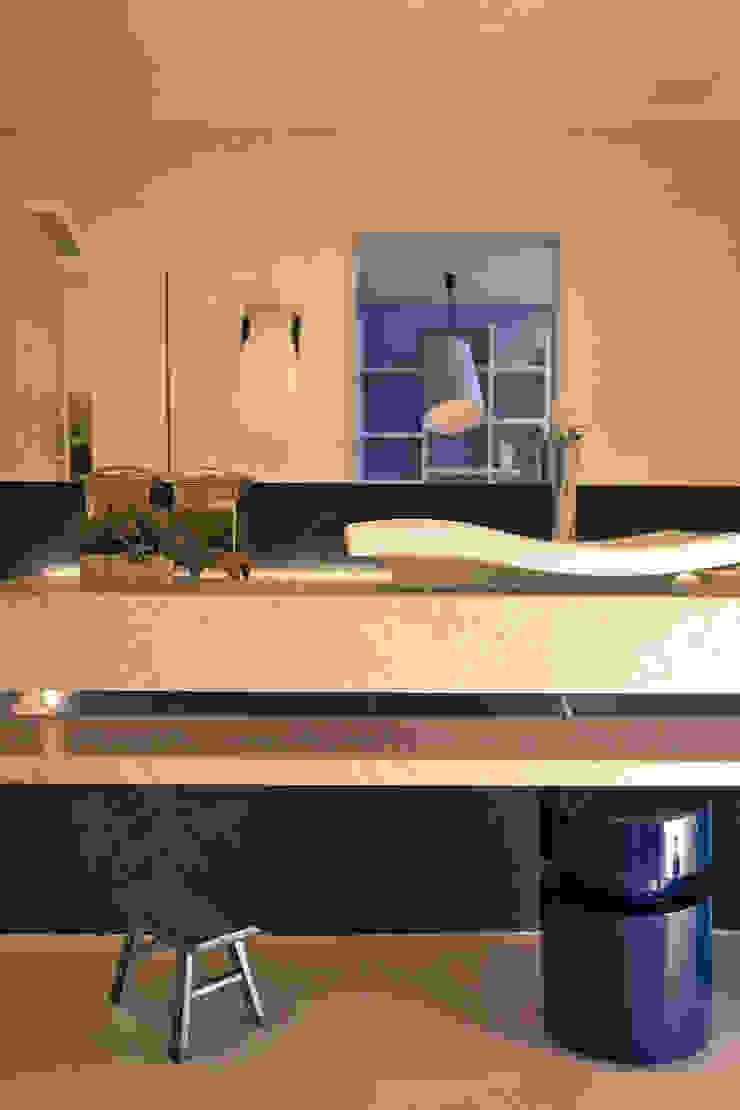 Project Banheiros modernos por Cristina Grossi Arquitetura Moderno