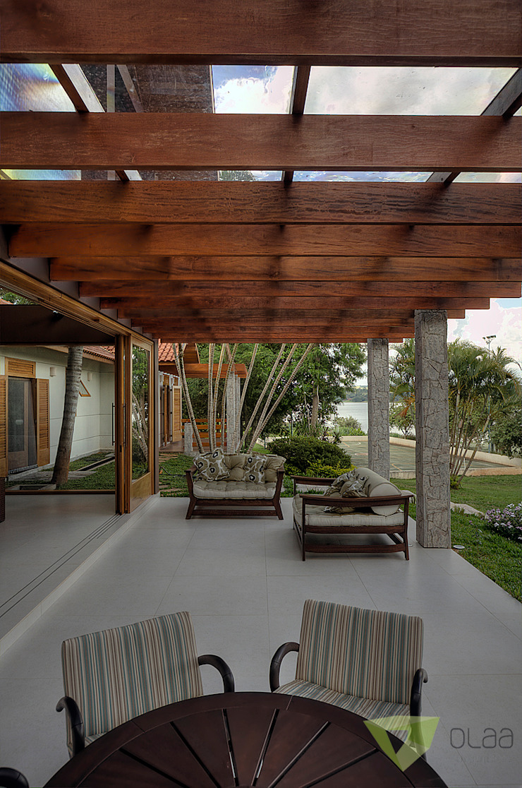 Balkon, Veranda & Terrasse im Landhausstil von Olaa Arquitetos Landhaus