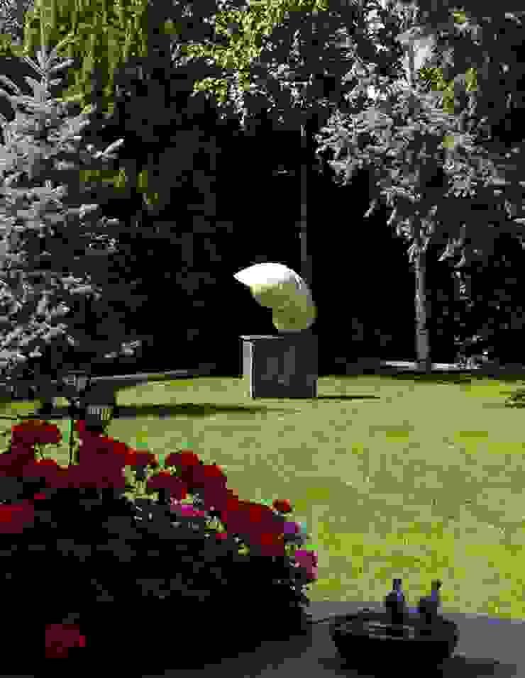 NAUTILUS Modern style gardens