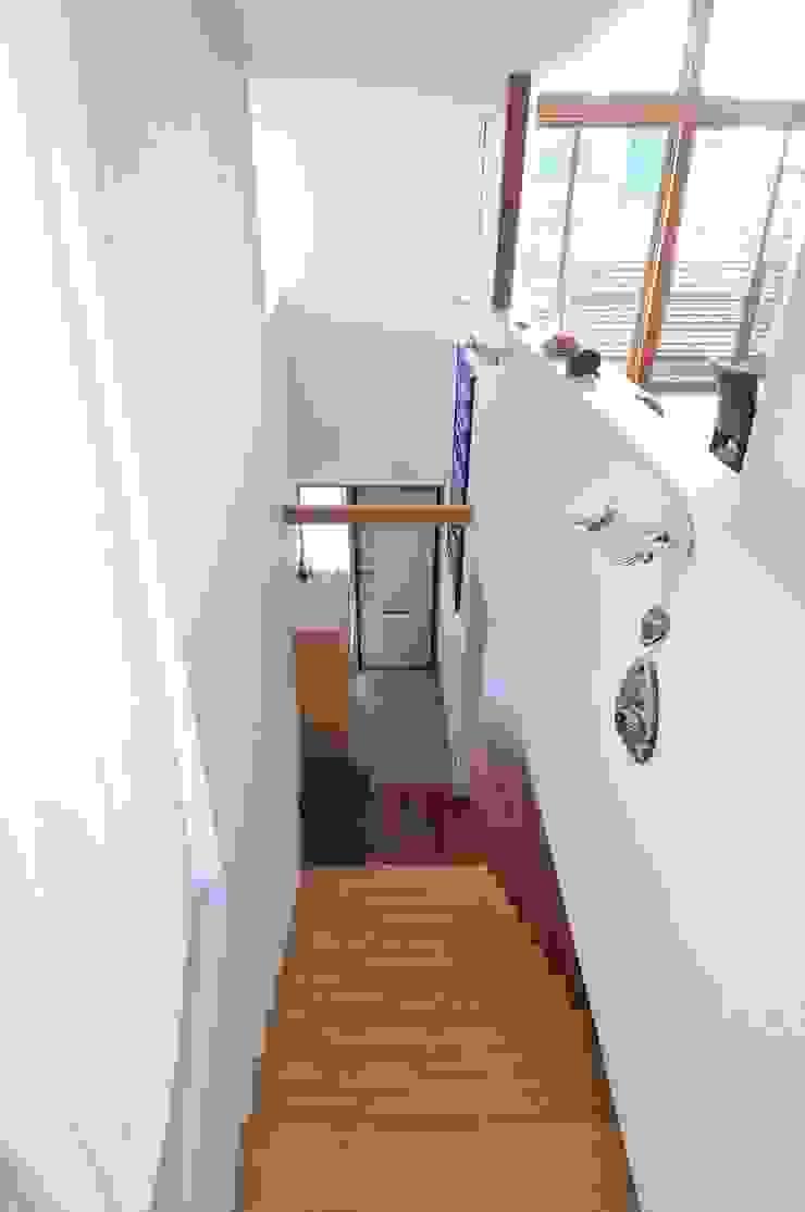 telescope モダンスタイルの 玄関&廊下&階段 の 岡村泰之建築設計事務所 モダン