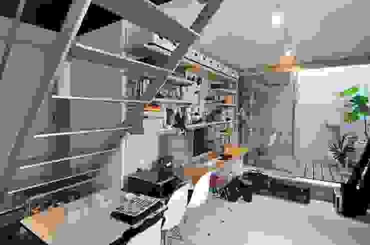 logical punk モダンデザインの 書斎 の 岡村泰之建築設計事務所 モダン