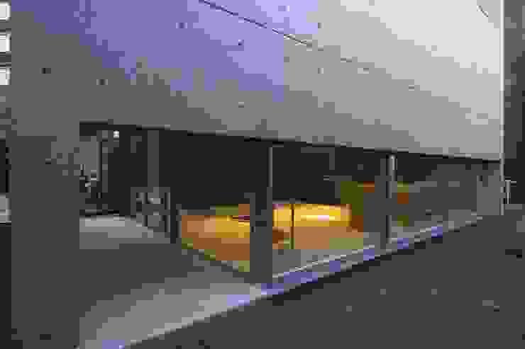 light-phase モダンな 家 の 岡村泰之建築設計事務所 モダン