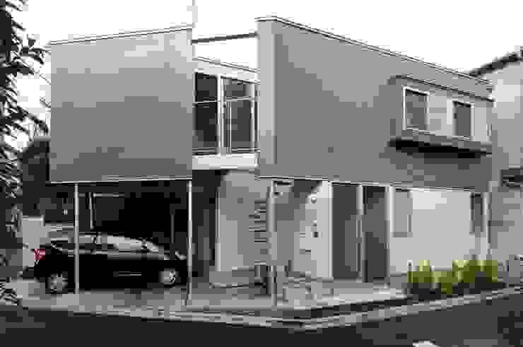 en モダンな 家 の 岡村泰之建築設計事務所 モダン