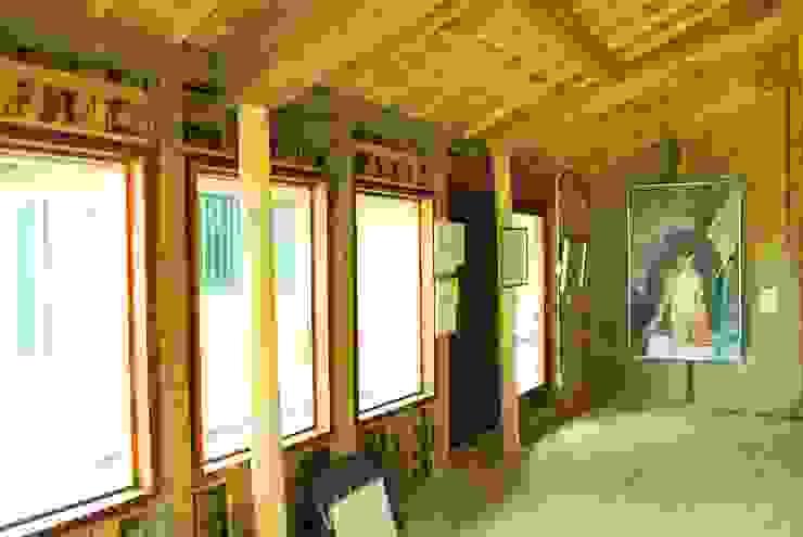 蔵屋 満 RENOVATION モダンデザインの 多目的室 の 西川真悟建築設計 モダン