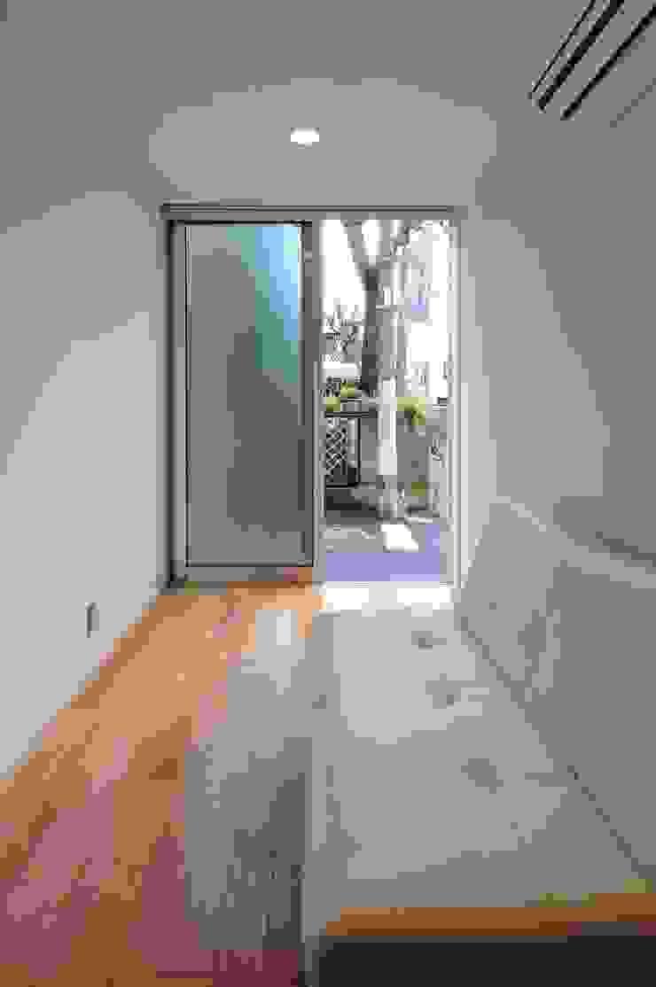 en モダンデザインの 多目的室 の 岡村泰之建築設計事務所 モダン