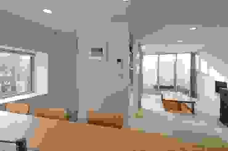 en モダンデザインの ダイニング の 岡村泰之建築設計事務所 モダン