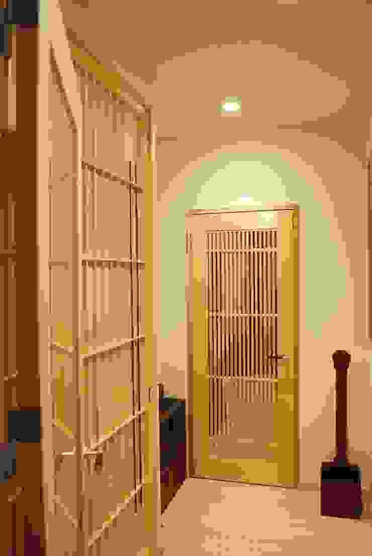 西川真悟建築設計 Modern windows & doors