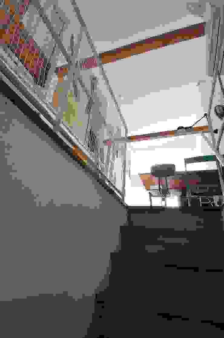 good-shelf モダンスタイルの 玄関&廊下&階段 の 岡村泰之建築設計事務所 モダン